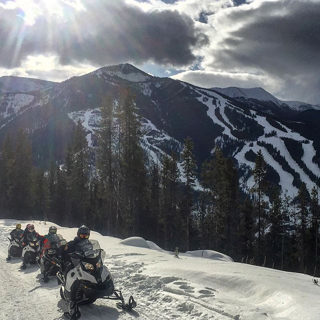 There's nothing better than heading out for a day of #snowmobiling adventure.  #panoramabc #purecanada #canadianrockies #columbiavalley #explorebc #kootrocks #canada150