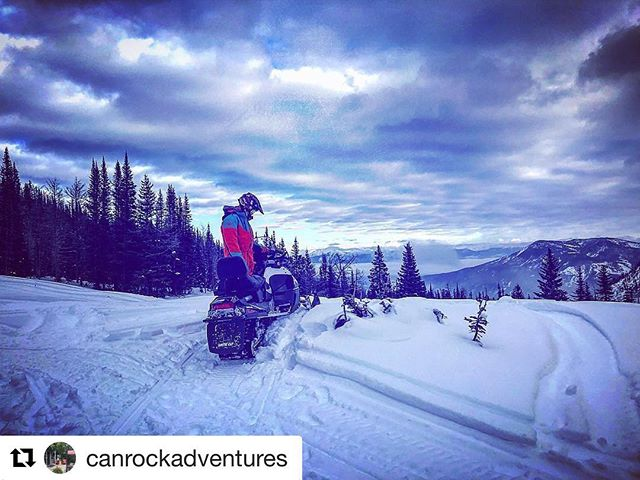 Repost: @canrockadventures ・・・ Enjoying the day with our friends at @tobycreekadv ! ❄️❄️❄️❄️❄️❄️ . . . . . #tobycreekadventures #canadian #rockies #adventure #centre #canrock #explore #adventureawaits #britishcolumbia #skidoo #sled #snowmobiling #snowmobile #panorama #tobycreek #mountains #rockymountains #canadianrockies #playtime