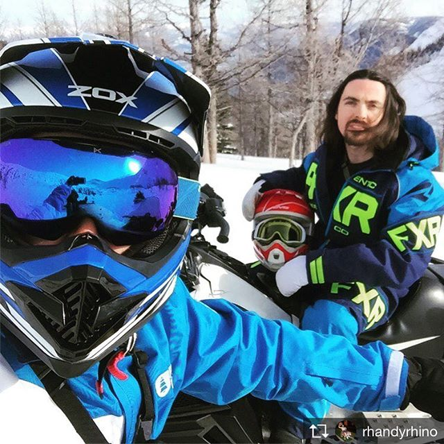 Repost from @rhandyrhino Left Alberta and headed into BC today, into Toby Creek for a day on skidoo's, beng let loose in paradise basin was ace! What a day! 😄 so much fun! #BC #tobycreekadventures #paradisebasin #snowmobile #adventure