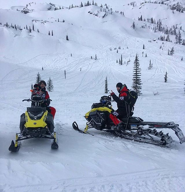 #March is the best month for #PowderX. Come spend a guided back-country #sled day on one of our 2018 #Skidoo Summit 850's. Everybody is raving about them and for good reason. #DiscoverTheDifference #tobycreekadventures #canadianrockies #banff #slednecks @skidooofficial
