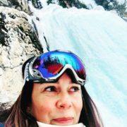 Repost from @shibuiholman  Frozen waterfall ❄️💙 #skimaxholidays #tobycreekadventures #lovecanada …