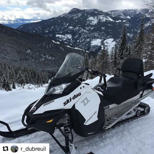 #Repost @r_dubreuil ・・・ Little rip up the mountain????????❄️ .. #tobycreekadventures#daytrip#mountainriding#skidoo#4stroke#snowmobilingislife#slednecks#sledporn#britishcolumbia#views#panarama