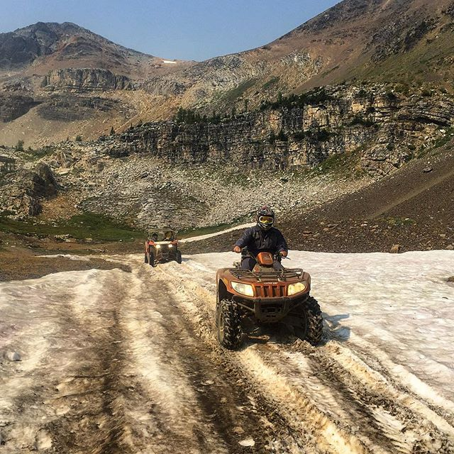 Not quite #snowmobiling but pretty darn close ???? #ParadiseBasin #PanoramaBC …