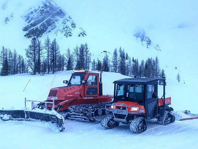 Grooming our trails is a daily activity at #TobyCreekAdventures. We use the LMC 3700 (left) for heavy work including shaping and re-forming the trail. The #Kubota (right) does the daily surface work. . Our #snowgrooming goal is to provide our guests with a nice wide and smooth trail each day. . #LMC #snowgroomer #snowmobiletours #canadianrockies #banff #canmore #panoramabc
