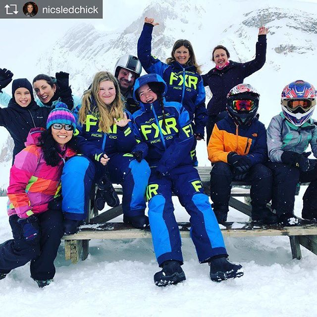 Repost from @nicsledchick Paradise! #fridayfunday#sledding