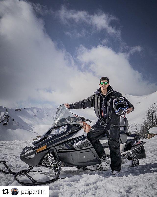 #Repost from @paipartith ・・・ Snowmobile ที่พาโนราม่า บนเทือกเขาแคนาเดียนร็อคกี้ มันเป็นอะไรที่ไม่ควรพลาด ถ้าได้มาเยือนที่นี่ #canada …