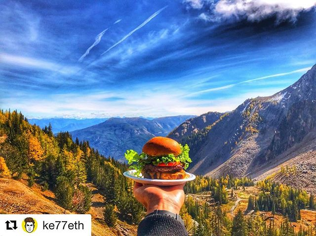 #Repost @ke77eth ・・・ Enjoying a burger at 7850ft