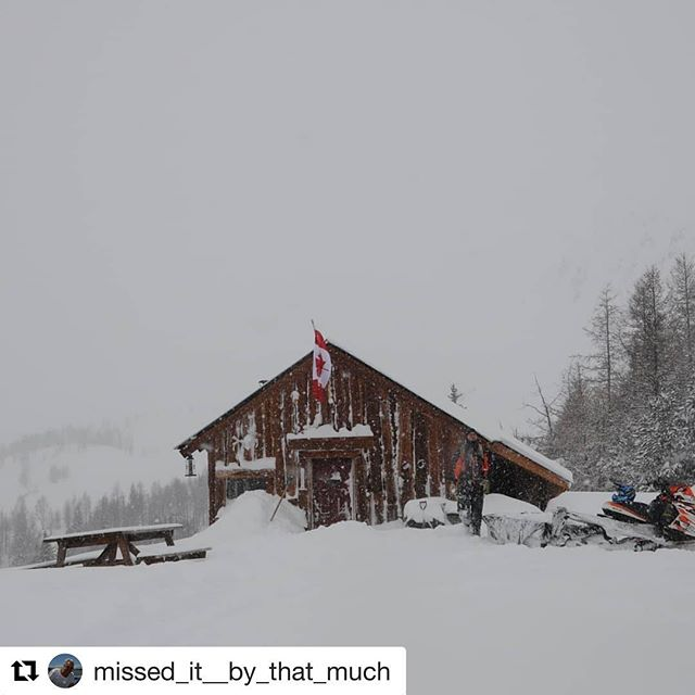 #Repost from @missed_it__by_that_much ・・・ #tobycreekadventures #tobycreekadv #mountainpanorama #canada what a …
