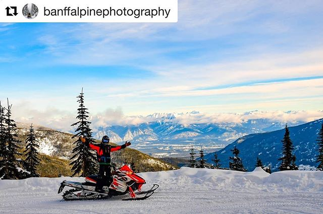 #Repost from @banffalpinephotography ・・・ Views on the way up to …