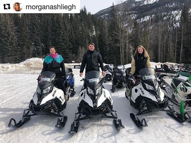 #Repost from @morganashliegh ・・・ Couple of regular snow gangsters ???????? • • #mallettsontour #canada #snowmobile #tobycreekadventures #snowlife