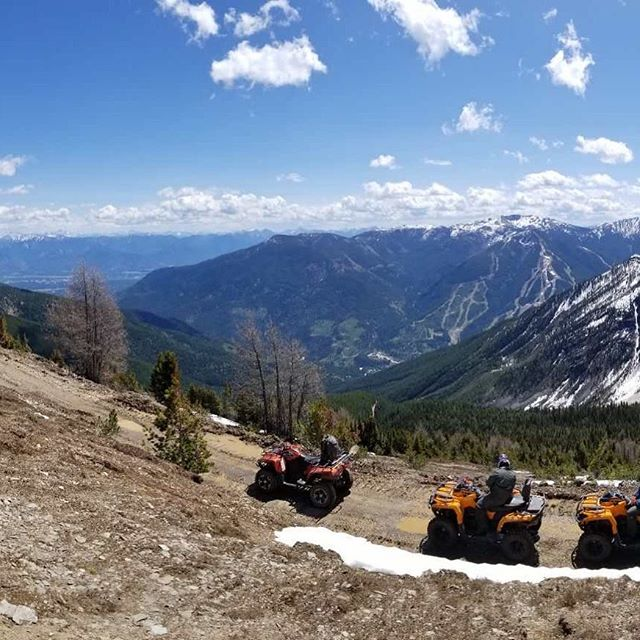 A two-picture panorama from Paradise today. Slide to left to …