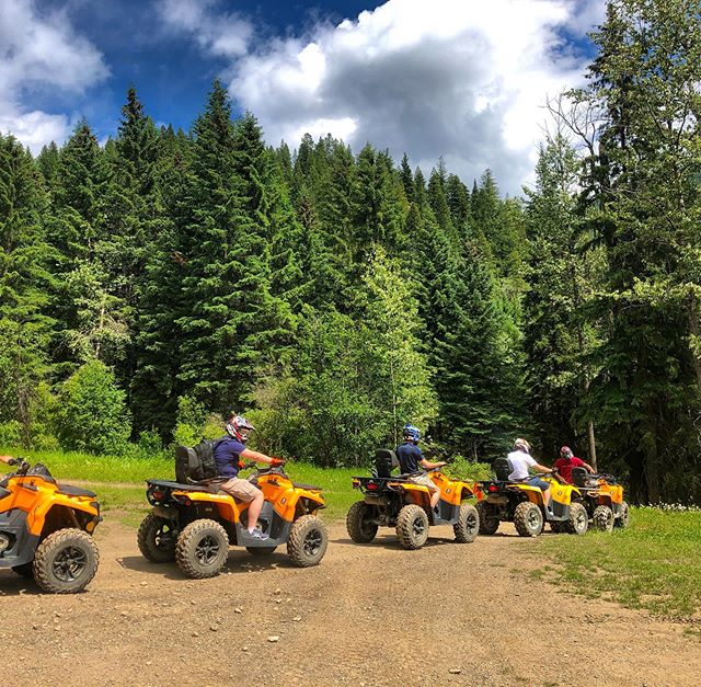All of our trips start with a safety briefing, practice laps and a final group check before heading out on an unforgettable family adventure in the mountains. #tobycreekadventures